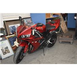 Yamaha R1-2005 motorcycle with inline 4 cylinder 1000cc engine, 2700kms after market exhaust, windsc
