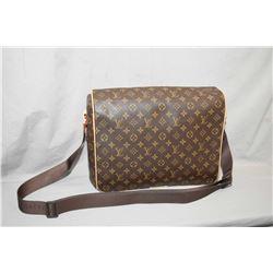 Louis Vuitton crossbody messenger bag, date code VI0099 (2009)