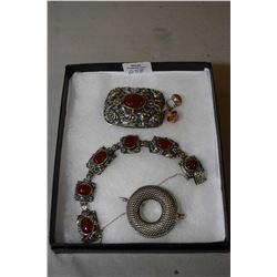 Selection of vintage sterling silver jewellery including vintage brooch and matching bracelet set wi