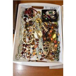 Tray lot of costume jewellery