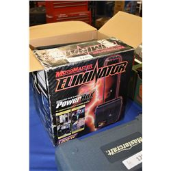 Motomaster Eliminator PowerBox with converter, not tested at time of cataloguing