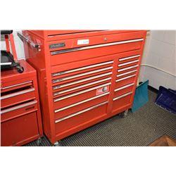 International rolling tool box