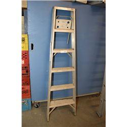 Five step folding step ladder