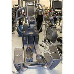 OCTANE FITNESS PRO 4700 SMART STRIDE MACHINE
