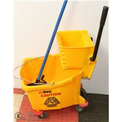 WINCO COMMERCIAL MOP BUCKET WITH RINGER