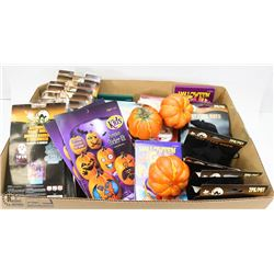 LARGE FLAT OF ASSORTED HALLOWEEN DECORATIONS