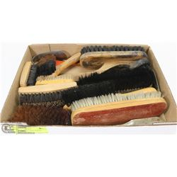 ASSORTMENT OF SHOE POLISH BRUSHES