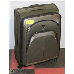 TPRC LUGGAGE WITH WHEELS