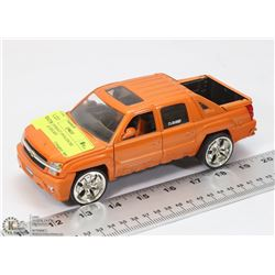 2001 CHEVROLET AVALANCHE ORANGE DIECAST.