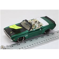 1970 DODGE CHALLENGER RT GREEN DIECAST.
