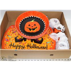 BOX OF 19 NEW ASSORTED SIZES HALLOWEEN TRAYS