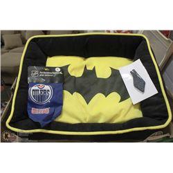 BATMAN PET BED NEW WITH TAGS, BATMAN TIE,