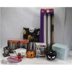 BOX WITH HALLOWEEN DECORATIONS INCL NEW IN