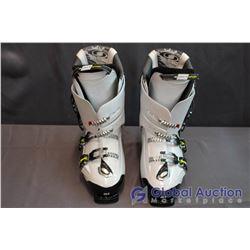 Salomon White Energizer 90 Downhill Ski Boots - Mondo 30.5