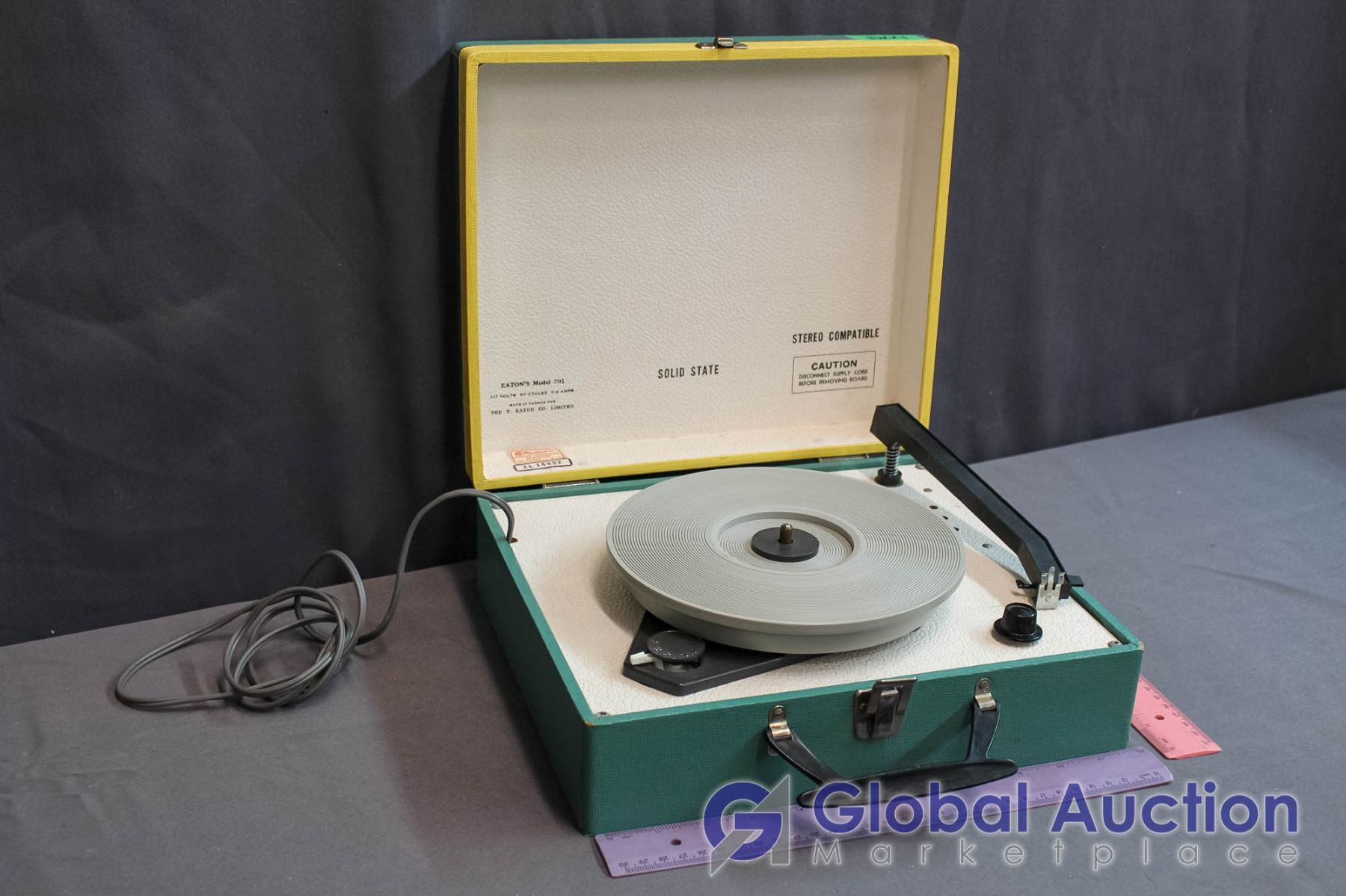 Portable Vintage Eatons Model 701 Record Player