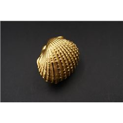 24K Gold Seashell Pendant Inlaid with a Pearl