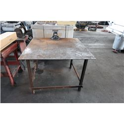 Metal Work Table w/ Vice