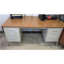 Desk w/ 5 Drawers 60 x 30 x 29.25 H