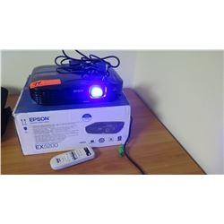 Epson EX5200 Projector w/ Remote