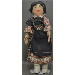 NAVAJO INDIAN DOLL (TSO)