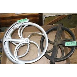 2 Well Pulleys