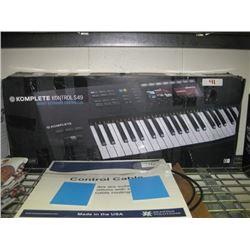 Komplete Kontrol S49 Smart Keyboard Controller