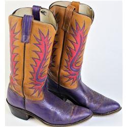 Size 7D Acme cowboy boots.