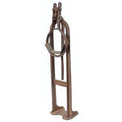Cast iron wagon wheel jack