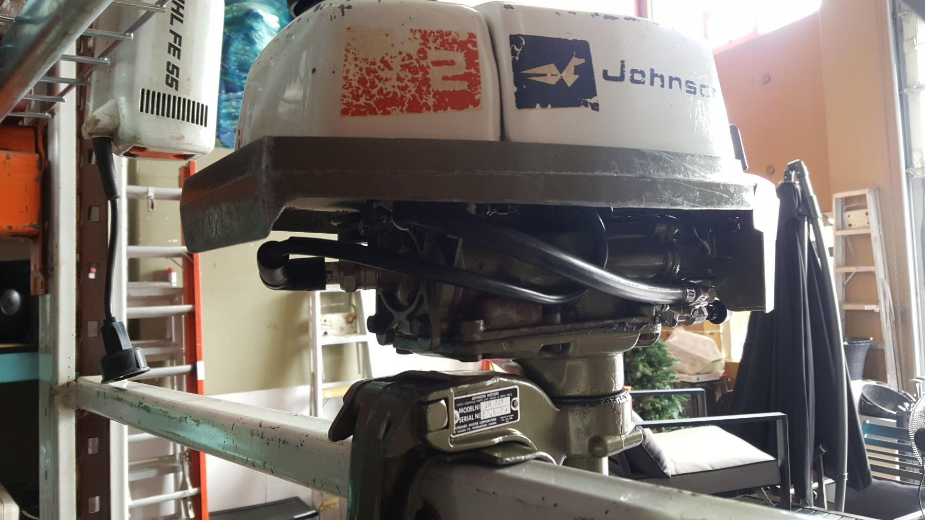 JOHNSON 2HP OUTBOARD MOTOR GOOD SPARK COMPRESSION POTENTIAL CARB ISSUES