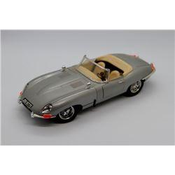 1961 Jaguar E Cabriolet BBurago 1:18 scale