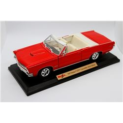 1965 Pontiac GTO Convertible Hurst Edition 1:18 scale