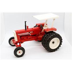 1655 Cockshutt tractor Has Box