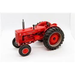 IHC ID9 diesel tractor No Box