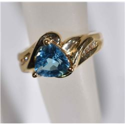 14kt GOLD BLUE TOPAZ RING w/3 DIAMONDS
