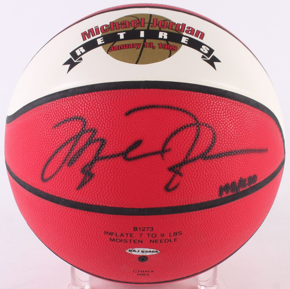 7cb151f5ff7 Image 1 : Michael Jordan Signed LE 1999 Commemorative Basketball (UDA COA)