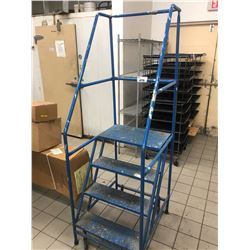 BLUE MOBILE 4 STEP MOBILE STAIR CASE
