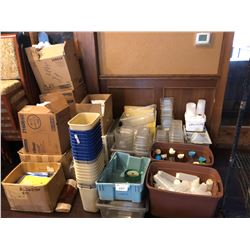 LOT OF ASSORTED PLASTIC KITCHENWARE