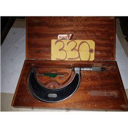 "Starrett No.226 Micrometer 3""-4"""