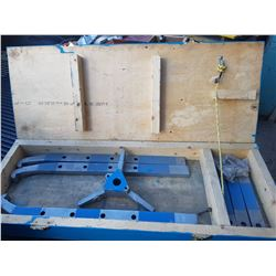 Box with Puller