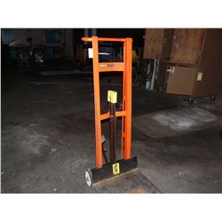 WESCO MANUAL MOBILE LIFT