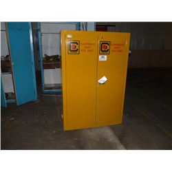 CHIEFTAIN INSULATED AND VENTED FLAMMABLE LIQUID STORAGE CABINET