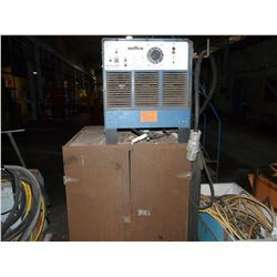 MILLER GOLD STAR 500SS DIRECT CURRENT ARC WELDING POWER SOURCE, COMES WITH CABLING AND METAL CABINET