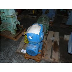 CROFTS 10:1 REDUCER WITH 25 HP MOTOR
