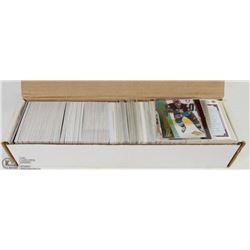 BOX OF NHL HOCKEY CARDS - APPROX 1000 CARDS