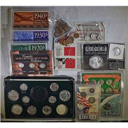 LOT: 2-14k GOLD MINI TRUMAN COINS;