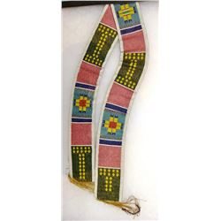 """Chippewa 32"""" beaded panel, 2 ¼"""" wide, framed in 14"""" x 20"""" case, ca. 1900"""