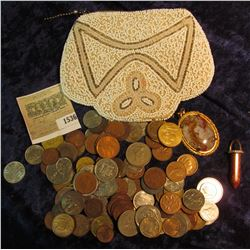 1536 _ White Beaded & zippered Purse made from Indian Trade Beads. Contains a Agate & a Gold Stone C