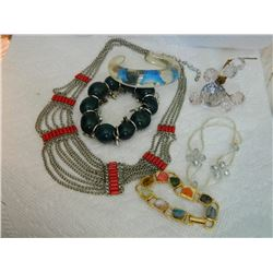 ASSORTED JEWELRY - NECKLACE, BRACELET & MORE