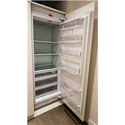 Sub-Zero IC-30R Refrigerator with 7ft x 31 Casing Retail $7445