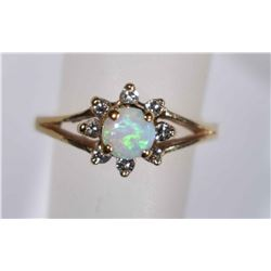 14kt GOLD OPAL & DIAMOND RING  Size 5
